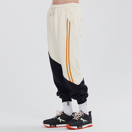 [9/16 예약배송]COLOR BLOCK LOGO SWEAT PANTS_OATMEAL